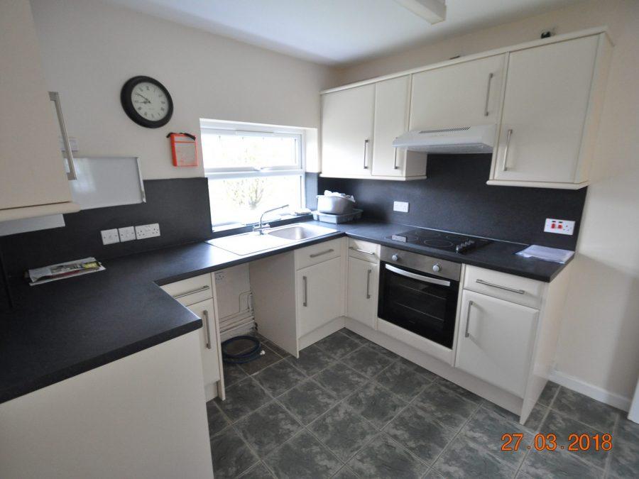 2/3 Bedroom flat to rent in Jubilee Rd, Axbridge BS26