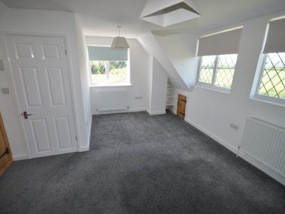 1 bedroom semi-detached house to rent