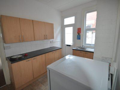1 bedroom ground floor flat to rent